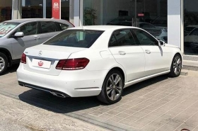 MercedesBenz - E200