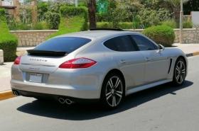 Porsche - Panamera S