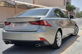 Lexus - IS 350