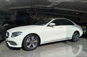 Mercedes - E200