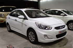 Hyundai - Accent Sedan