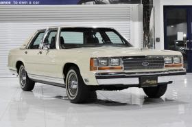 Ford - CrownVictoria