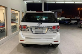 Toyota - Fortuner 4.0L