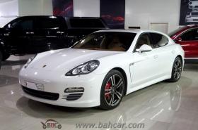 Porsche - Panamera 4S