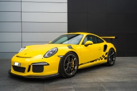 Porsche - 911GT3RS