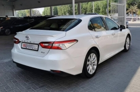 Toyota - Camry GLE