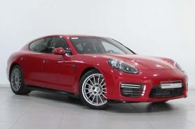 Porsche - Panamera GTS